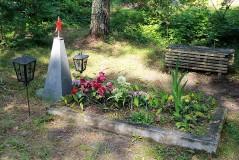 1. Отдельная могила у дер. Алайые. 23.07.2013